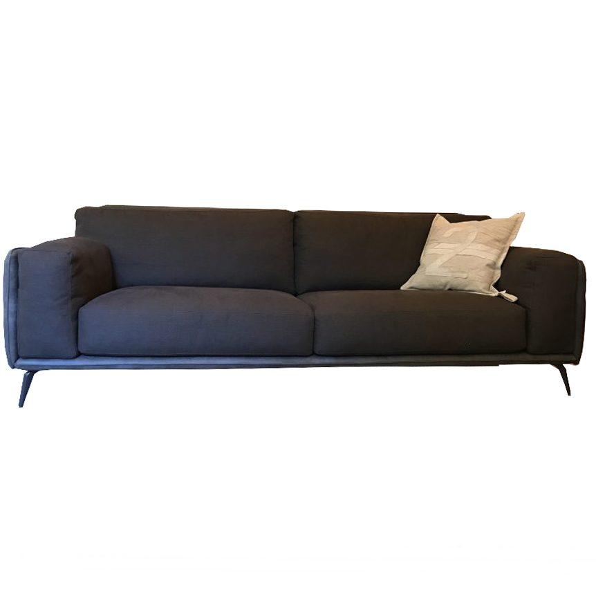 Outlet divani design milano for Copia mobili di design
