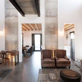 Casa di campagna nell\' ex-stalla - Outlet Arredamento Design Cremona ...